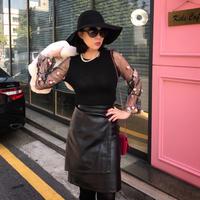 ◆ブーツと相性抜群!◆スタイルアップ魅せレザースカート【ウエストゴム】