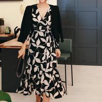 グレイスリーフラップドレス【伸縮自在&高級感あり】
