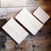 青森ヒバのまな板(中)24.5×40×3〜3.5cm 一枚板 ふるさと納税返礼品でも好評
