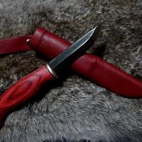 赤いプーッコ (ナイフ)