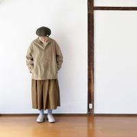 女性着用画*ユニセックス*LA MOND.-ラモンド-NYLON OX STAND BLOUSON(LM-S-059)/ベージュ