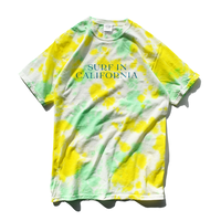 SURF IN CALIFORNIA Tie Dye   Tee【Riverstone lemon】