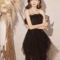 ブラック羽毛飾りロングドレス