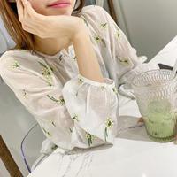花柄刺繍ボリュームスリーブ長袖ブラウス