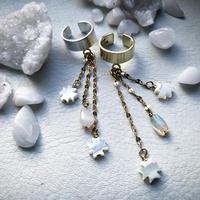 METEORA  shell opal  ear cuff :silver