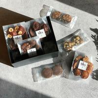 üks【バレンタイン焼菓子ギフトボックス】スクエア(M)フィナンシェ4種、クッキー3種
