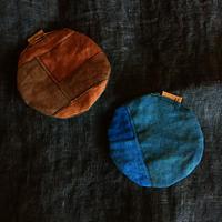 柿渋・藍染めリネンの丸型「表返しのふっくらコースター」