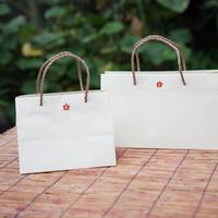 紙製の手提袋
