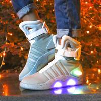 バック・トゥ・ザ・フューチャー マーティ 未来の靴 スニーカー シューズ 白 黒 LED点灯 光る コスプレ 小道具 海外限定 レプリカ
