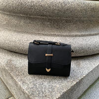 letter like hand&shoulder bag -black-