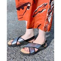 ZURI SELECT・Cross Belt Foot Bed Sandal ¥8800(DN0SS-DD36)