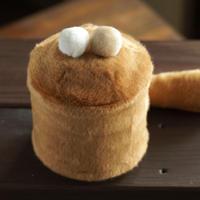 ペット用骨壺カバー / サイズ:4寸 / ベース:ブラウン / ボンボン:白・クリーム / しっぽ:ブラウン(S210)