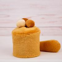 ペット用骨壺カバー / サイズ:3寸 / ベース:ブラウン / ボンボン:クリーム・ブラウン・ブラウン / しっぽ:ブラウン(S057)