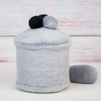 ペット用骨壺カバー / サイズ:4寸 / ベース:グレー / ボンボン:黒・黒・グレー / しっぽ:グレー(S171)