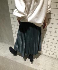 モスグリーンプリーツスカート