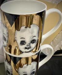 ツインズ女&泣く女 金彩白磁 マグカップ