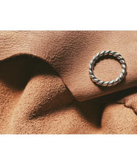 Silver Twist Pattern Ring