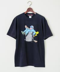 AndArts 「鈴木夏菜 - Rojiura Pizza」 T-SHIRT / 108-ART-2004-B-01-0035 BK