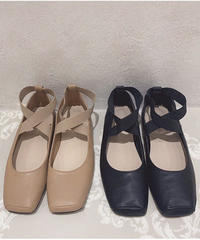 cross strap flat shoes