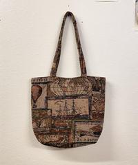 外国を旅するバッグ0270