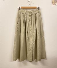 フレンチトーストを作るスカート1949