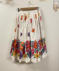 隣町まで出かける花柄スカート710