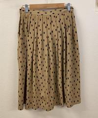 喫茶店に行くレトロなスカート889