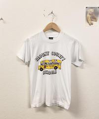 スクールバスで登校するTシャツ3290