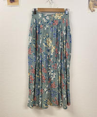 お話が好きな花柄スカート2708