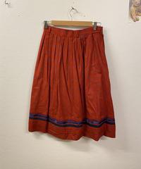 赤いお花がよく似合うスカート1285