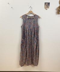 laura ashleyの花柄ワンピース3781