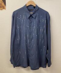 雨降る夜のシャツ601
