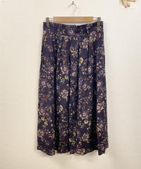 焼き芋が好きな花柄スカート2521
