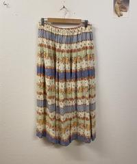 お花畑で遊ぶスカート1364