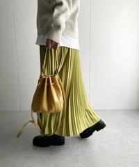 マットマテリアルプリーツスカート