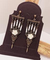 Phantom Jewelry/ファントムジュエリー 5本の燭台イヤリング