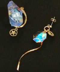伴蔵装身具屋/ばんぞうそうしんぐや 魔鉱石と星屑の耳飾り(ピアス)96