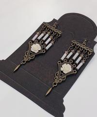 Phantom Jeweiry 5本の燭台ピアス