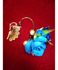 【Ruha Garden】ルハガーデン 蝶と花イヤーフック(ブルー)