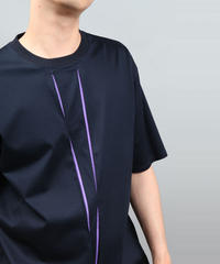 COLOR SCHEME TUCK CROSS T-SHIRT NAVY