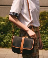 Yves Saint Laurent/vintage leather shoulder bag.
