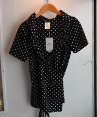agnes b./ dot ribbon frill blouse.