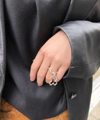 CHANEL/vintage clover motif wave ring.  430005T