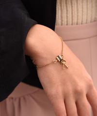 Chloe/vintage key motif bracelet.(O)7