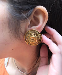 CHANEL/vintage gold  coco earring .  4290028C