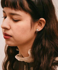 Courreges/silver logo earring.