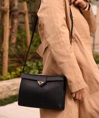 Givenchy / vintage triangle plate design shoulder bag.