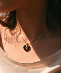 Burberry/B logo necklace.