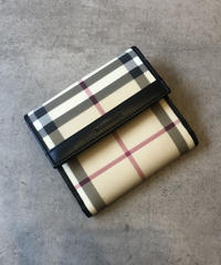 Burberry/vintage nova check  wallet.(S)