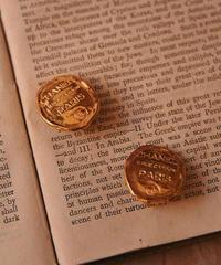 CHANEL/vintage  gold design earring .(S)
